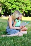 barnmumbarn fotografering för bildbyråer