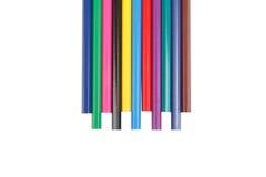 Barns färgblyertspennor som isoleras på vit bakgrund Arkivfoto