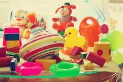 Barns leksaker i barns rum Royaltyfri Fotografi
