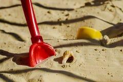 Barns sandlåda arkivbild