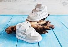 Barns skor för utomhus- sportar Royaltyfria Foton