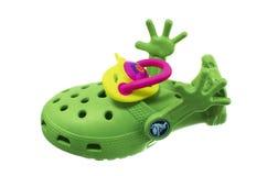 Barns toy. Gräsplan skor. Royaltyfri Bild