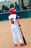 Barnserien i basebollbaseballsmet Arkivfoto