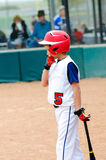 Barnserien i basebollbaseballsmet Arkivbild