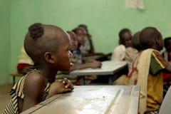 Barnstudie på den ethiopian skolan Royaltyfria Bilder