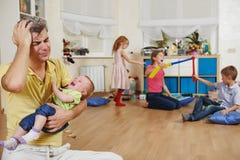Barnuppfostranfamiljproblem Arkivbilder