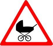 Barnvagnväg, symbol för passagevarningstecken Rött tecken för förbudvarningssymbol på vit bakgrund Arkivbilder
