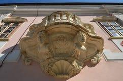 Barock balkong från Magna Curia av den Bethlen slotten, Deva stad, Rumänien arkivfoton