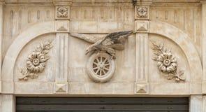 Barocke Dekorationen auf den Wänden der Stadt von Scicli, Sizilien, Italien stockbilder