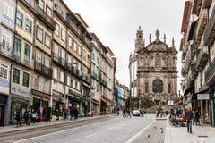 Barocke Fassade Clerigos-Kirche in Porto, Portugal Lizenzfreie Stockfotografie
