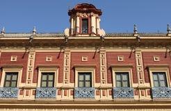 Barocke Fenster in Sevilla Stockfotografie
