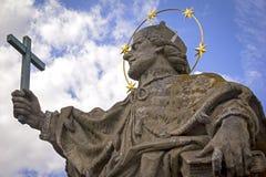 Barocke Statue von Johannes von Nepomuk Lizenzfreie Stockbilder