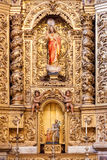 Barocke vergoldete Kapelle mit einem Jesus Christ-Bild innerhalb des Santarem sehen Kathedrale Lizenzfreies Stockfoto