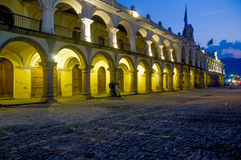 Barockes Gebäude in der Hauptplatzpiazza Antigua Lizenzfreies Stockfoto