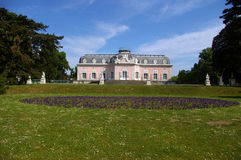 Barockes rosafarbenes Schloss Lizenzfreie Stockfotografie