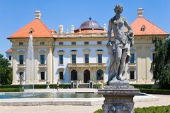 Barok kasteel nationaal cultureel oriëntatiepunt op 19 Juni, 2014 in Slavkov - Austerlitz dichtbij Brno, Zuid-Moravië, Tsjechisch Stock Fotografie