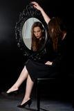 Barok Lustrzana dziewczyna Fotografia Royalty Free