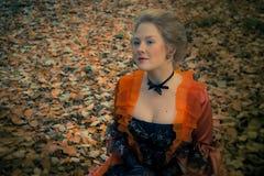 Barok meisje openlucht Stock Foto's