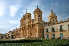 Barokke kathedraal van Noto in Sicilië Stock Foto's