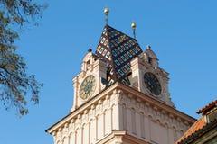 Barokowi kościelny wierza zegarów dachu kolory, Brandys nad Labem Fotografia Royalty Free