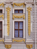 Barokowy okno z złotymi ornamentami Zdjęcie Royalty Free
