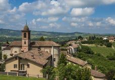 Barolo vinområde Grinzane Cavour, Piedmont arkivfoto
