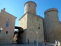 Baron- Caetani slott som byggs i 1319 i Fondi, Italien Arkivfoto