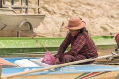 Barquero cerca de Siem Reap Fotografía de archivo libre de regalías