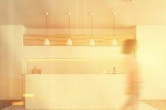 Barra bianca della cucina, vista frontale tonificata Fotografia Stock Libera da Diritti