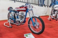 BARRA BONITA, BRASIL - 17 DE JUNHO DE 2017: Motocicleta do vintage em um ex Imagem de Stock Royalty Free