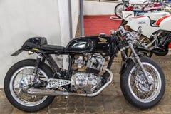 BARRA BONITA BRASILIEN - JUNI 17, 2017: TappningHonda motorcykel I Royaltyfri Foto