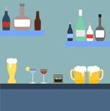 Barra com bebidas alcoólicas Imagem de Stock Royalty Free