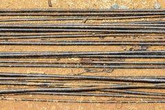 Barra d'acciaio arrugginita della costruzione fotografie stock