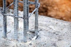 barra d'acciaio per il lavoro concreto della costruzione, mortaio in sedere strutturali immagine stock
