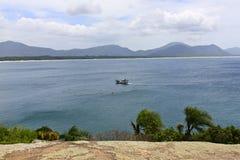 Barra da Lagoa-Ansicht vom Felsen Stockfotografie