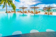 Barra da piscina na ilha tropical de Maldivas Foto de Stock Royalty Free