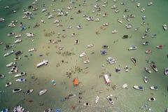 Barra de arena video aérea de Haulover durante fin de semana del Memorial Day Foto de archivo