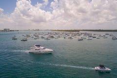 Barra de arena video aérea de Haulover durante fin de semana del Memorial Day Imagen de archivo libre de regalías