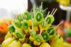 Barra de caramelo con la fruta Imagen de archivo