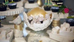 Barra de caramelo linda con los diversos caramelos y cakes-5 metrajes