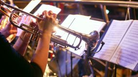 Barra de la música del saxofón de la trompeta almacen de metraje de vídeo