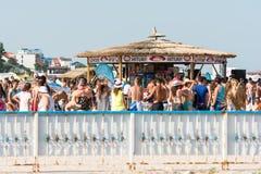 Barra de la playa con las bebidas de restauración Foto de archivo