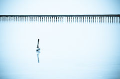 Barra de madera en el lago Foto de archivo libre de regalías
