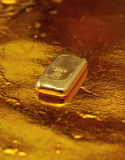 Barra de oro fotografía de archivo