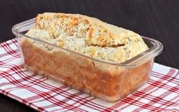 Barra de pan del queso cheddar, cocida recientemente Fotografía de archivo libre de regalías