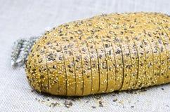 Barra de pan fresca cortada Fotografía de archivo libre de regalías
