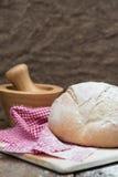 Barra de pan recientemente cocida de pain de campagne del francés Fotos de archivo