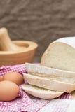 Barra de pan recientemente cocida de pain de campagne del francés Imágenes de archivo libres de regalías