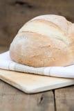 Barra de pan recientemente cocida de pain de campagne del francés Fotografía de archivo