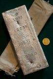 Barra de plata de la empresa minera de Homestake de 106.31 onzas Imágenes de archivo libres de regalías